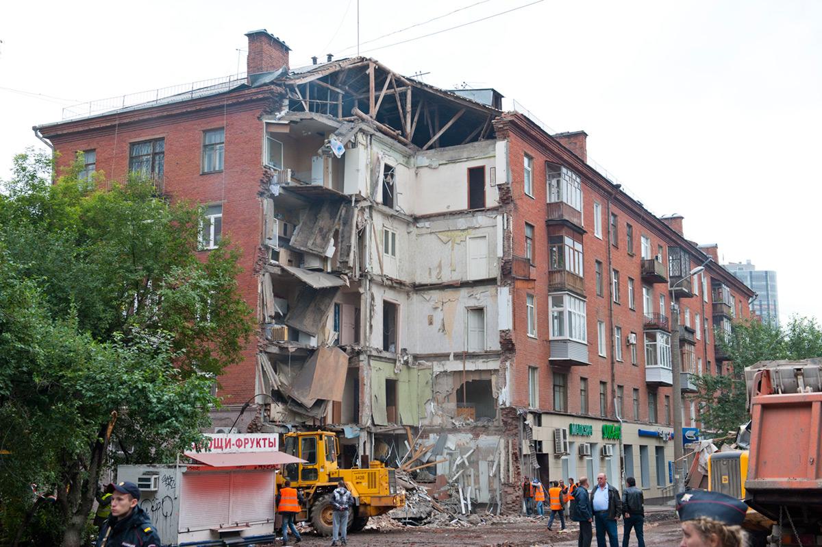 РуководствоУК «Моторостроитель» осудят заобрушение дома наКуйбышева, 103
